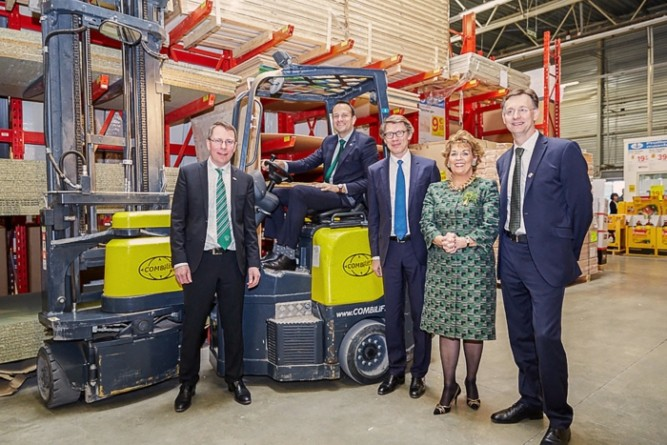 Combilift signs €1M contract with Kingfisher Group in France