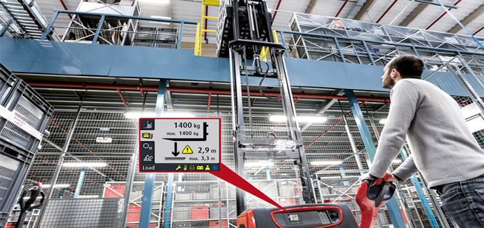 New pallet stacker assistant protects people and goods.