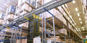 Smart automation reduces the complexity of logistics for the pharmaceutical industry.
