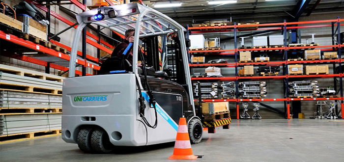 Electric counterbalance truck faces the endurance test.