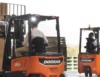 Doosan powers ahead at CV Show 2019