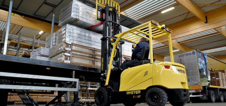 NEW 3 AND 4 WHEEL ELECTRIC FORKLIFTS FROM HYSTER