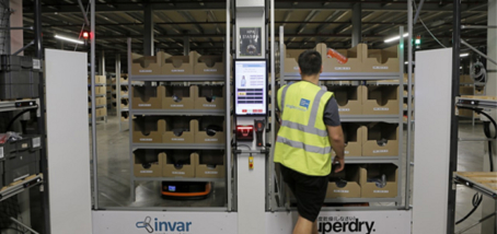 CILT award win makes it a hat-trick for Superdry and Invar Systems with Hikrobot